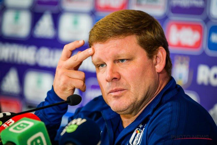 """Hein Vanhaezebrouck ontkent opvallend nieuwtje uit de kleedkamer van Anderlecht: """"Fake news, zoals zo vaak"""""""