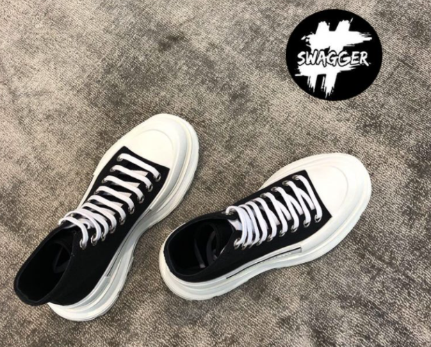 Shop giày Balenciaga Triple S like Authentic uy tín và chất lượng
