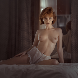 Red fox by Dmitry Laudin - Nudes & Boudoir Artistic Nude ( boudoir, beauty, color, light, nude, girl, portrait )