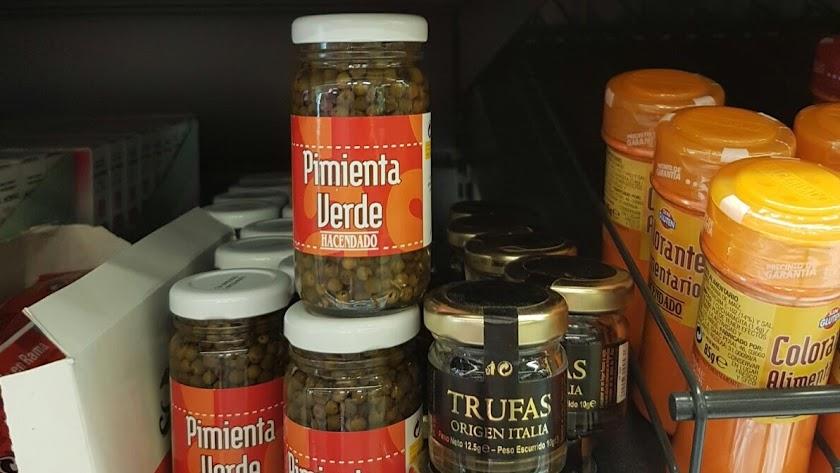 La pimienta  de Luxeapers, que se produce en Nacimiento, está ya presente en los lineales de sus 1.62o tiendas.