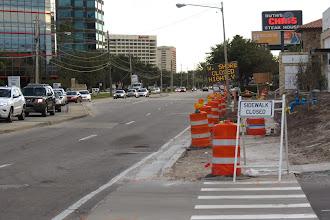 Photo: Älä edes yritä kävellä täällä - aja autolla niin kuin kaikki muutkin