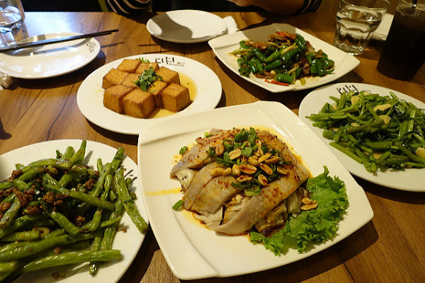 KIKI餐廳 (新板誠品店)