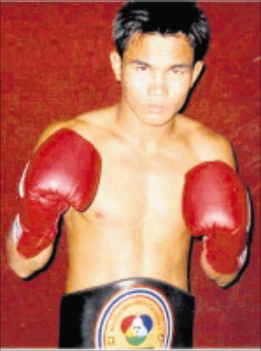 READY: Thailand's Devid Lookmahana will square up with Evans Mbamba on Friday night.  Cicra 2008. Pic. Unknown