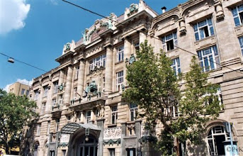 Photo: Boedapest - voorgevel huidige Muziekacademie