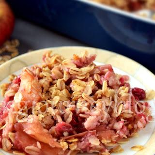Healthy apple crisp – Apple cranberry crisp.