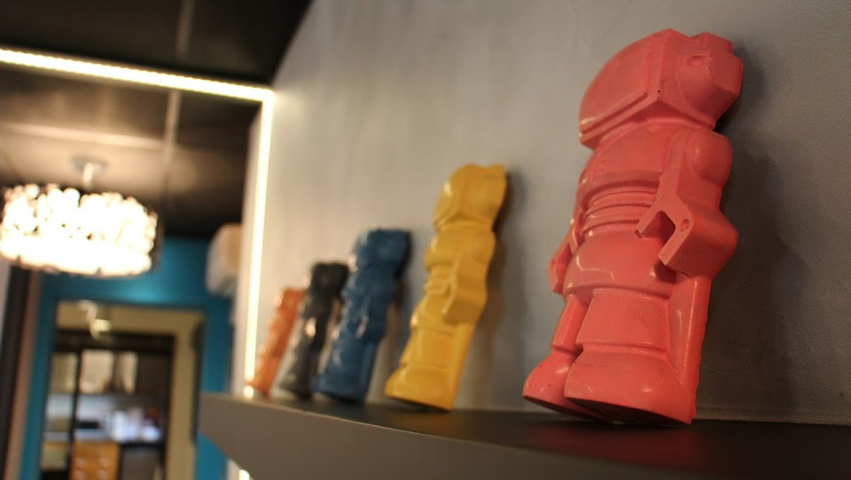 Figurines déco en béton: Les robots de Junny
