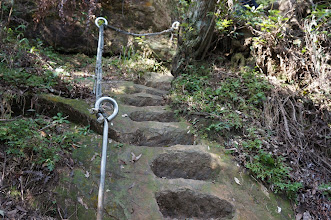 Photo: 大石上都已經鑿有石階