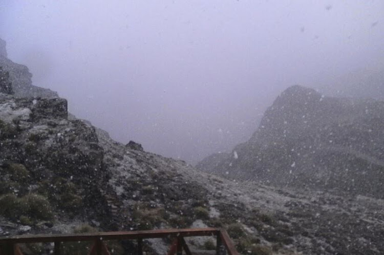 The snow is settling nicely now at the top of Sani Pass