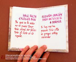 Photo: Llibre d'aniversari fet a mida. Texts, cal·ligrafia i enquadernació de Ferran Cerdans Serra; Il·lustracions de Montse Bugatell. Llibres Artesans · Fem els llibres del futur.