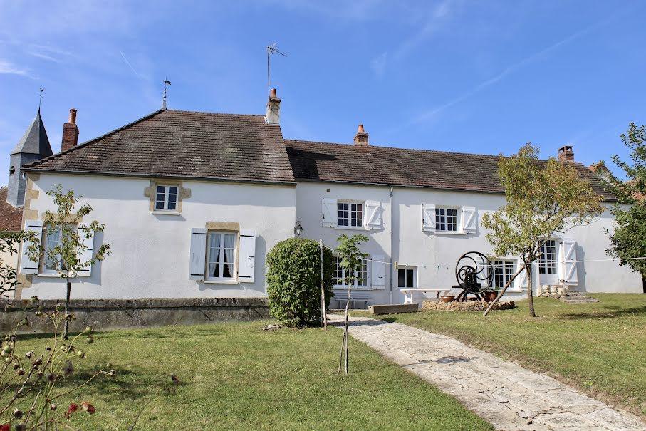 Vente maison 8 pièces 190 m² à Moussy (58700), 170 000 €