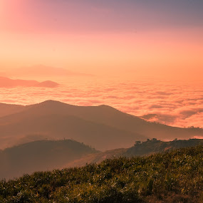 Heaven !! by Prathap Gangireddy - Landscapes Mountains & Hills ( trekking, cloudscape, travel, sunrise, landscape, sunlight, travel photography )