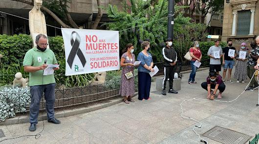 Concentración en la Plaza del Educador, este martes.