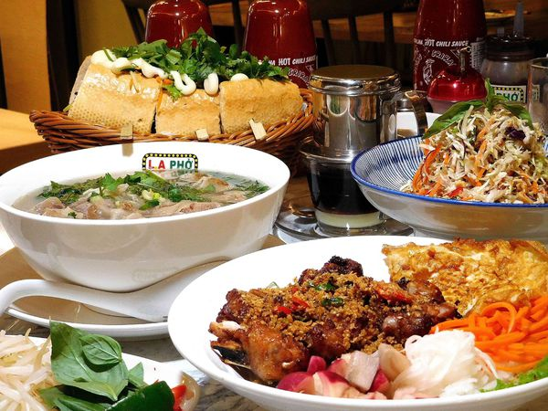 L.A PHO越南河粉 CP值超高超高 裝潢超美 份量超大!!集網美店與美味於一身的信義區必吃美食!!