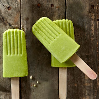 Kale Banana Pineapple Ice Pops