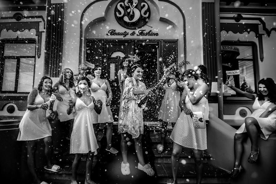 Wedding photographer Daniel Dumbrava (dumbrava). Photo of 22.11.2016