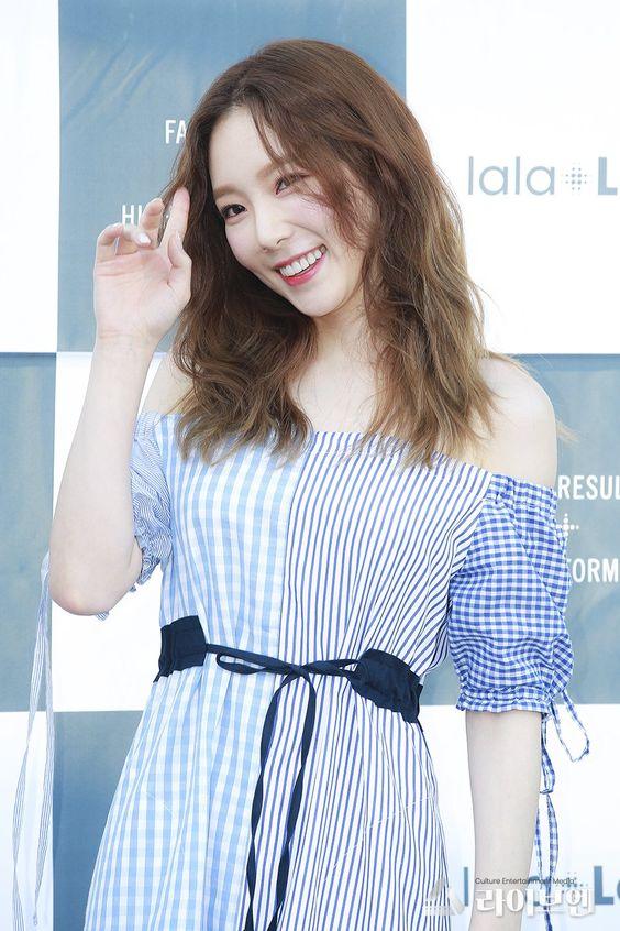 taeyeon shoulder 8