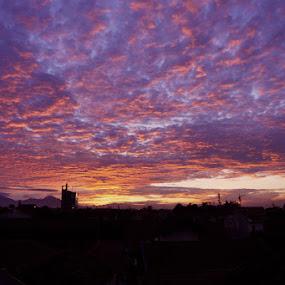 Pagi  Hari diatas Cimahi by Ignatius Kukuh - Landscapes Sunsets & Sunrises ( city lanscape, sunset, morning, cimahi )