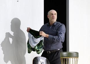 Photo: Wien/ Theater in der Josefstadt: KAFKA - EIN PROJEKT VON ELMAR GOERDEN. Premiere 25.4.2015. Regie: Elmar Goerden. Peter Kremer. Foto: Barbara Zeininger