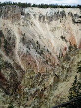 Photo: Yellowstone canyon from Artist Point (South side)