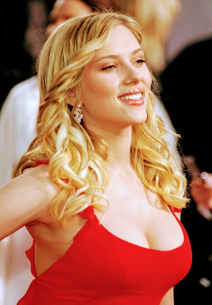 Scarlett Johansson in red sexy dress