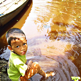 anak kalimantan selatan by Jamani Uyee - Babies & Children Child Portraits