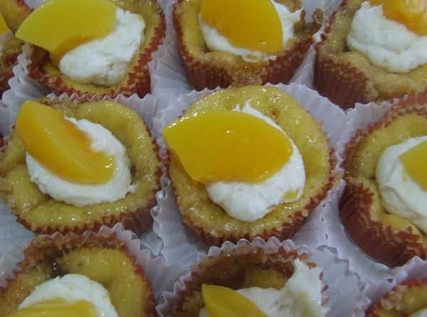 Peach Cobbler Cupcakes Recipe