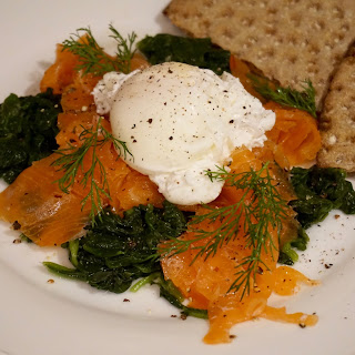 Healthy Dinner: Poached Egg with Smoked Salmon and Spinach Recipe  Recipe
