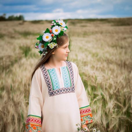 Wedding photographer Elena Abdrakhmanova (lenmontov). Photo of 25.10.2017
