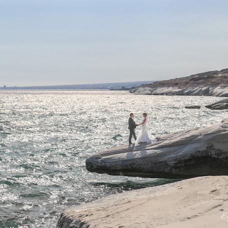 Wedding photographer Evgeniy Muratidis (GR88). Photo of 30.11.2016