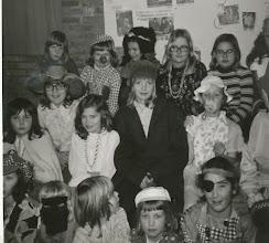 Photo: ver Kinderclub met oa links Jacqeline Dammers, Wilma Pippel en rechts bovenin Corry vOosterum