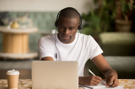 The advantages and benefits of online learning