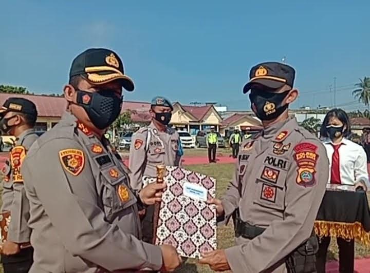 Lima Perwira Tinggi Polres Batu Bara Dapat Penghargaan Reward