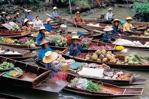 bangkok.jpg - The floating market in Bangkok, Thailand.