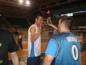 Photo: Segunda Semifinal: Juan Carlos Domínguez y Ángel María Rolo se saludan antes de iniciar la eliminatoria