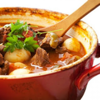 Rachael Ray's Autumn Beef Stew With Apple, Onion and Roasted Garlic.