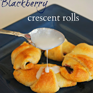 Blackberry Crescent Roll Recipe – Food Fun Friday