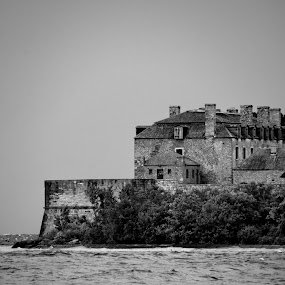 Fort Niagara by David Clare - Buildings & Architecture Public & Historical ( french castle, park, black and white, new york state, castle, fort niagara, historic,  )