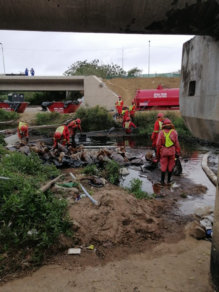 Pipeline theft sees crude oil flow into Durban river - SowetanLIVE