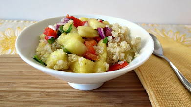 Photo: Quinoa and Pineapple Salsa - A light tropical quinoa salad made with fresh pineapple, jalapenos, onion and sweet orange juice.  http://www.peanutbutterandpeppers.com/2013/01/30/quinoa-and-pineapple-salsa/  #quinoa   #pineapple   #pineapplesalsa   #quinoarecipes   #vegetarian