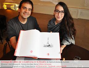 Photo: Entrega del llibre de la Confraria de la ratafia, lLibre d'encàrrec fet a mida a Llibres Artesans; manuscrit per Ferran Cerdans - Il·lustracions de Fiona García de AK Ilustración