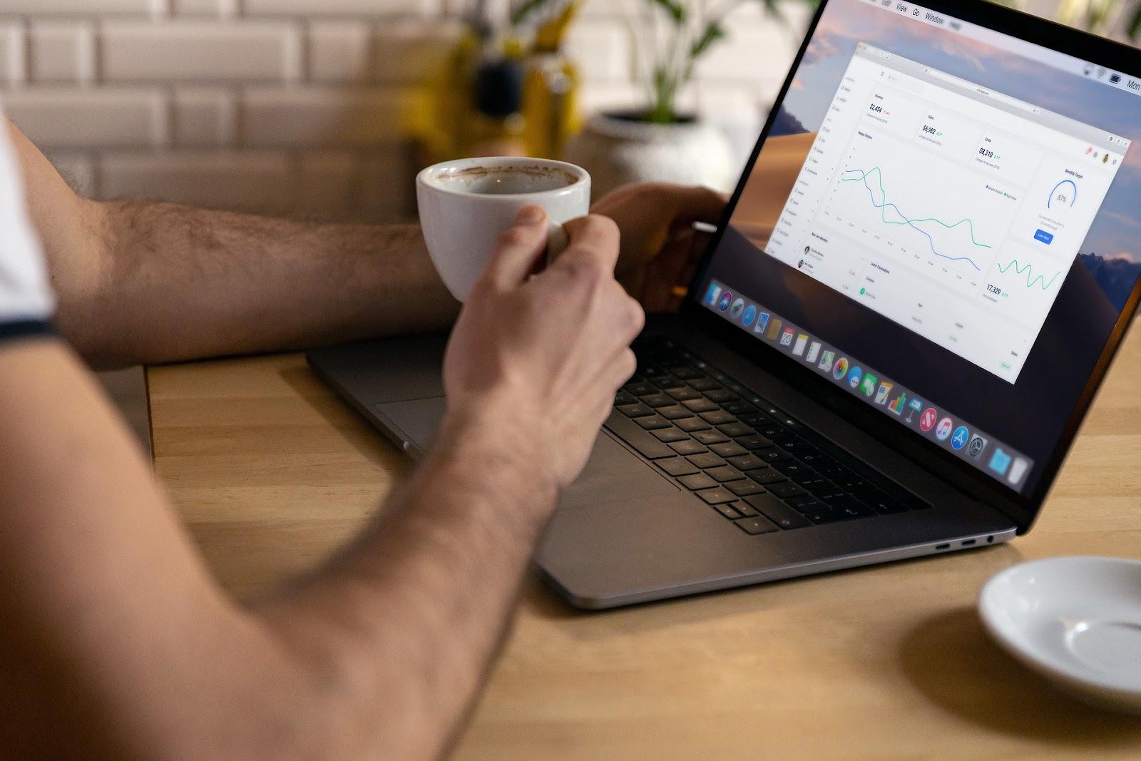 Anywhere office é a ideia de olhar qualquer lugar como escritório. (Fonte: Pixabay)