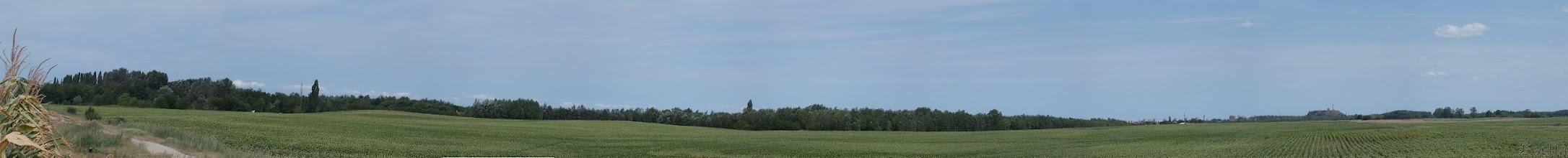 Photo: Sík táj, távolban Kecskemét látszik.