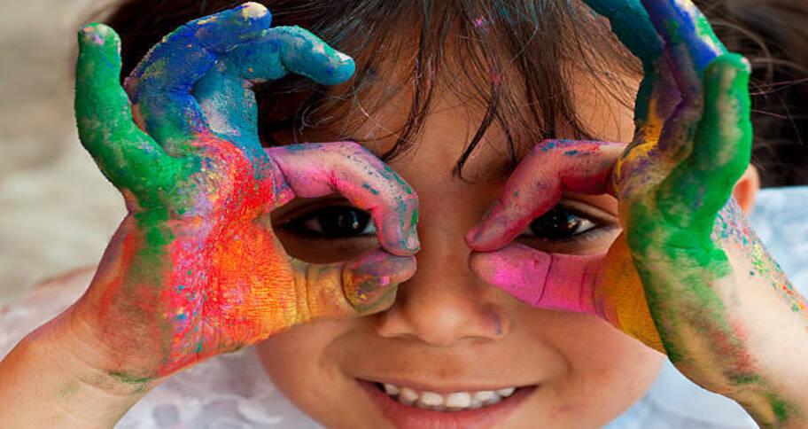 Kids are inborn creativity through arts and crafts