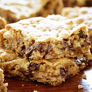 Gooey Chocolate Oatmeal Cookie Bars