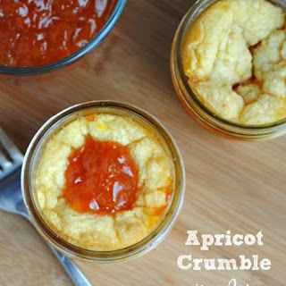 Apricot Crumble in a Jar