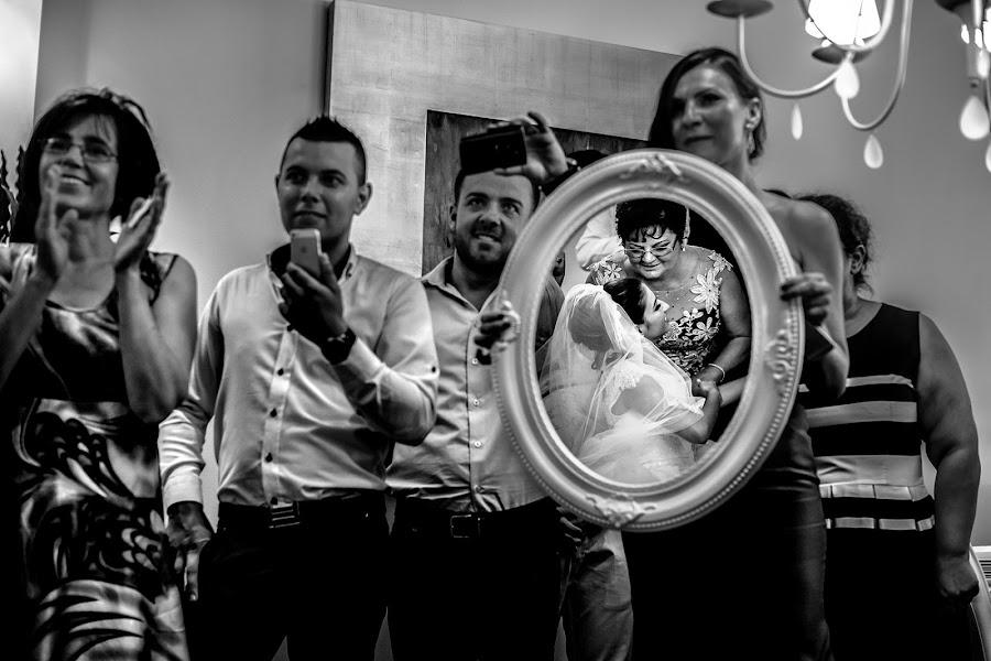 Wedding photographer Daniel Dumbrava (dumbrava). Photo of 24.01.2017