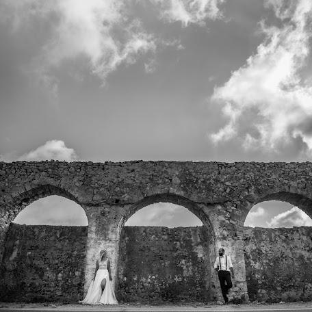 Wedding photographer Marios Kourouniotis (marioskourounio). Photo of 12.01.2018