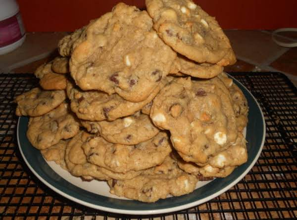 Extremely Good And Easy Chocolate Chip Cookies