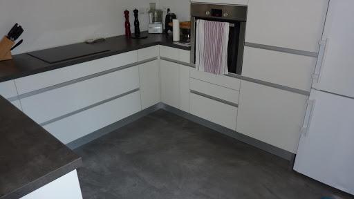 Transformez votre sol de cuisine vous-même grâce à la Box Brico Spéciale Carrelage