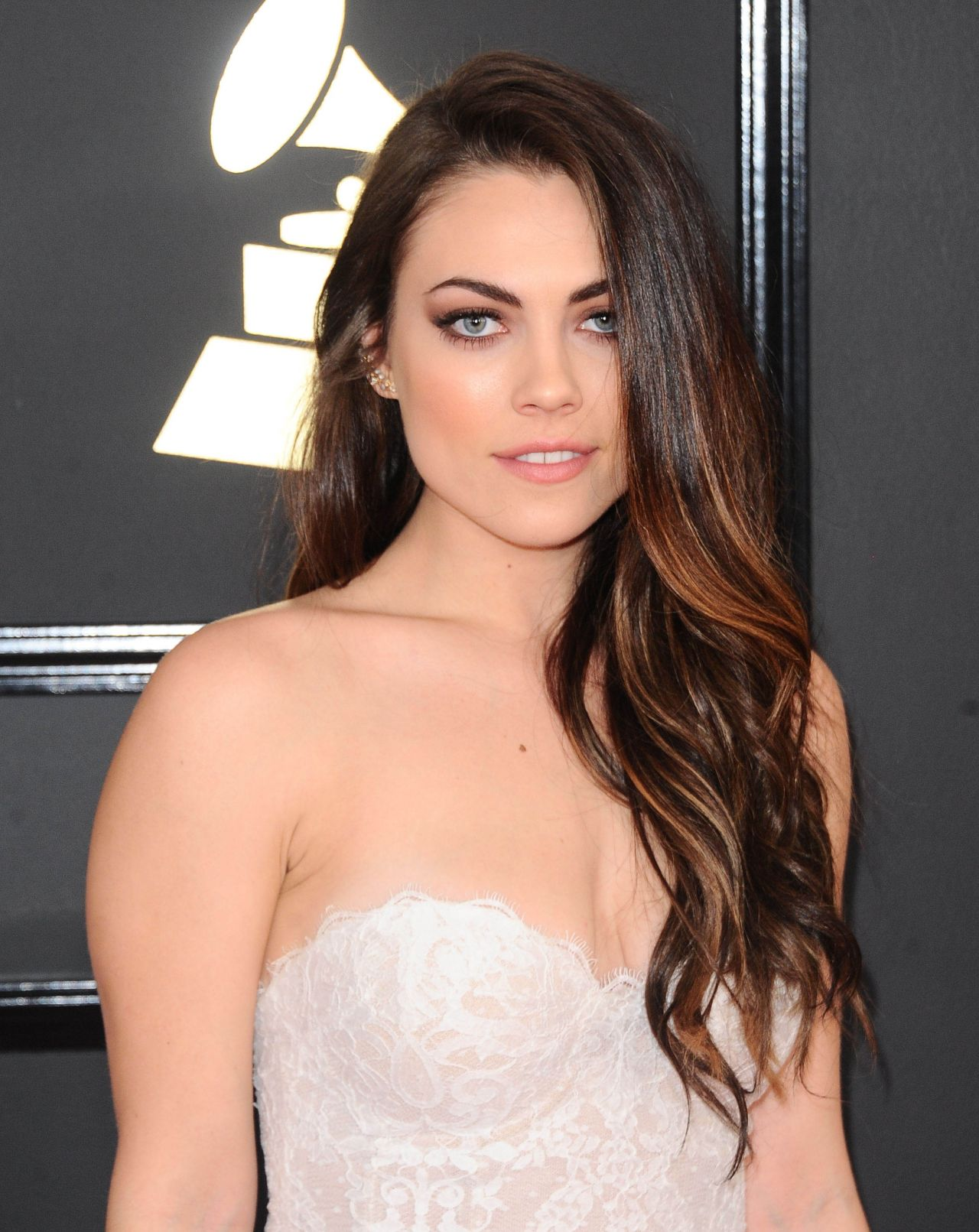 emily-weisband-on-red-carpet-grammy-awards-in-los-angeles-2-12-2017-1